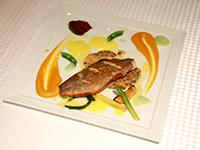 香煎海鲈鱼配蘑菇醋汁