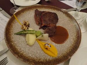 澳洲M5肉眼配野菌及季节蔬菜